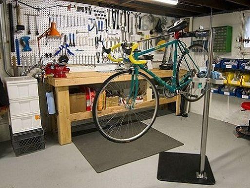 Réparation vélo à Nice, France